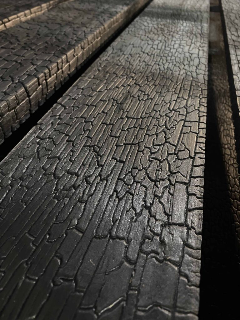 Karbonisiertes holz fußböden